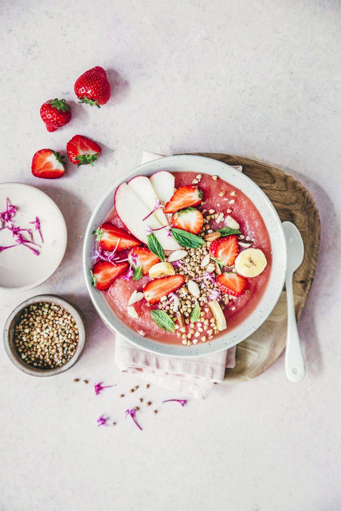 Smoothie bowl aux fraises ©Sandrine Saadi